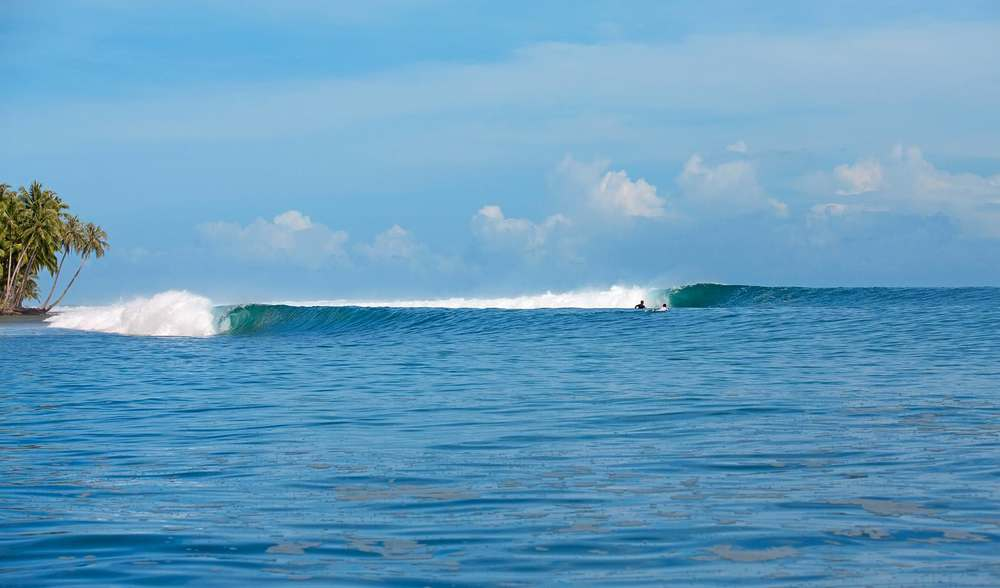 Indonesia mentawais surf left barrel