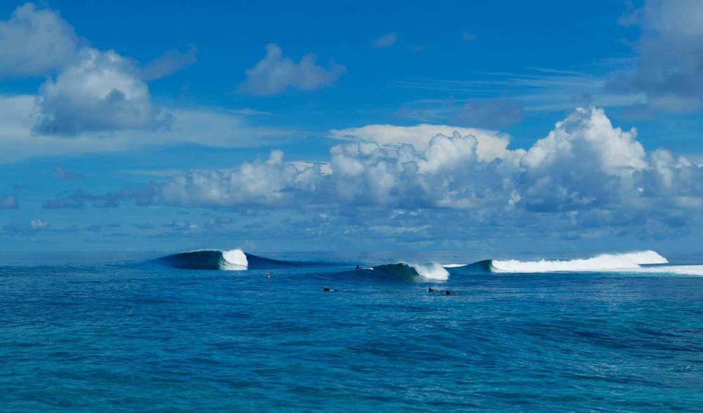 Variety of surf conditions in the telo islands
