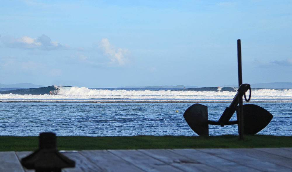 perfect surf at telo island lodge max's right
