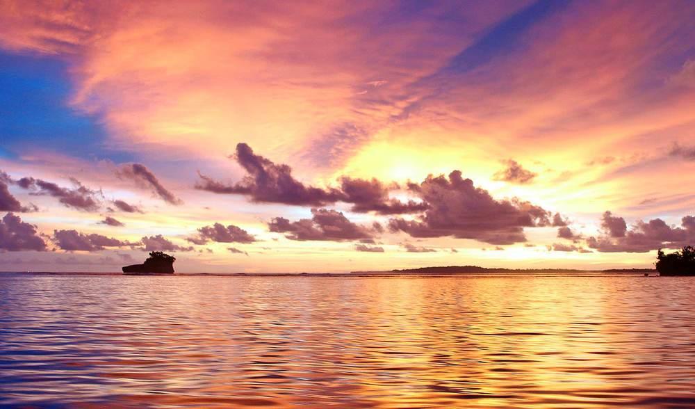 Mentawai surf trip sunset