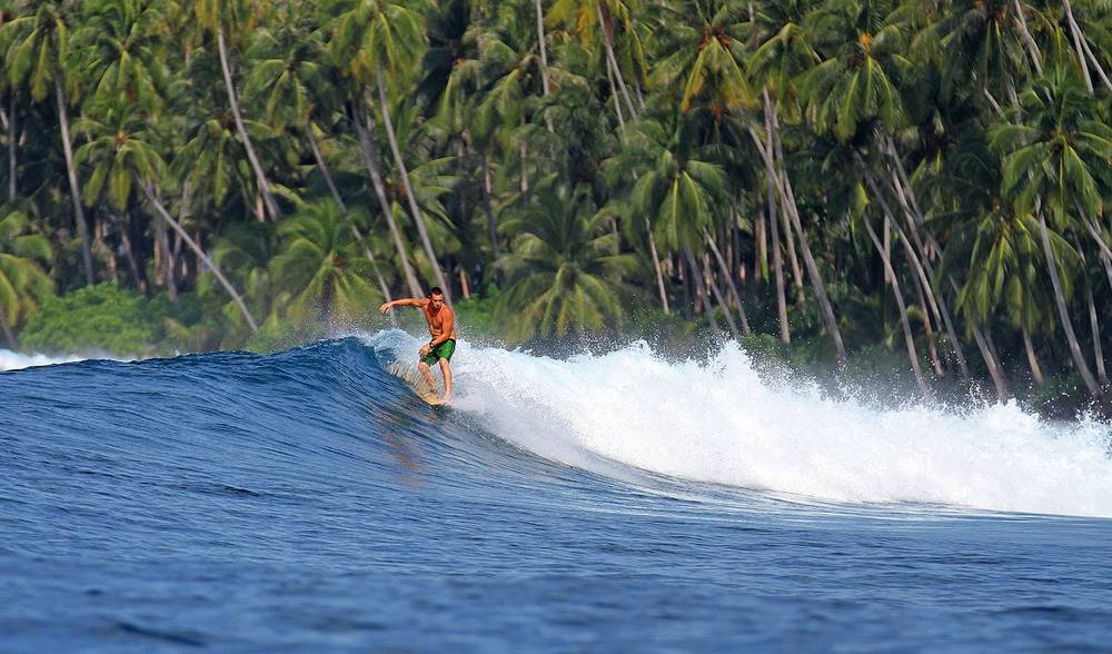 Indonesia surfing guides longboard champion