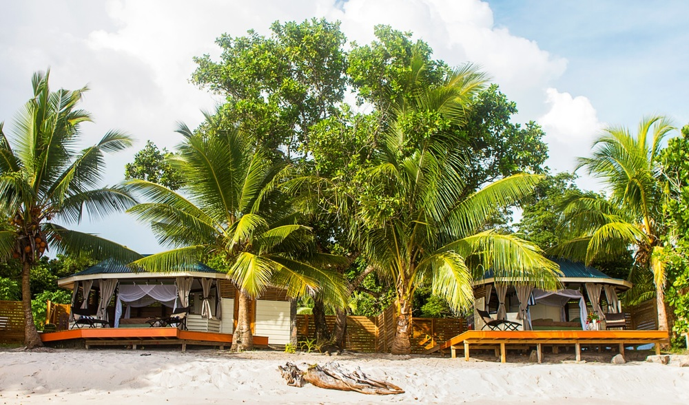 Aganoa Lodge Samoa Beachfront Accommadations.jpg