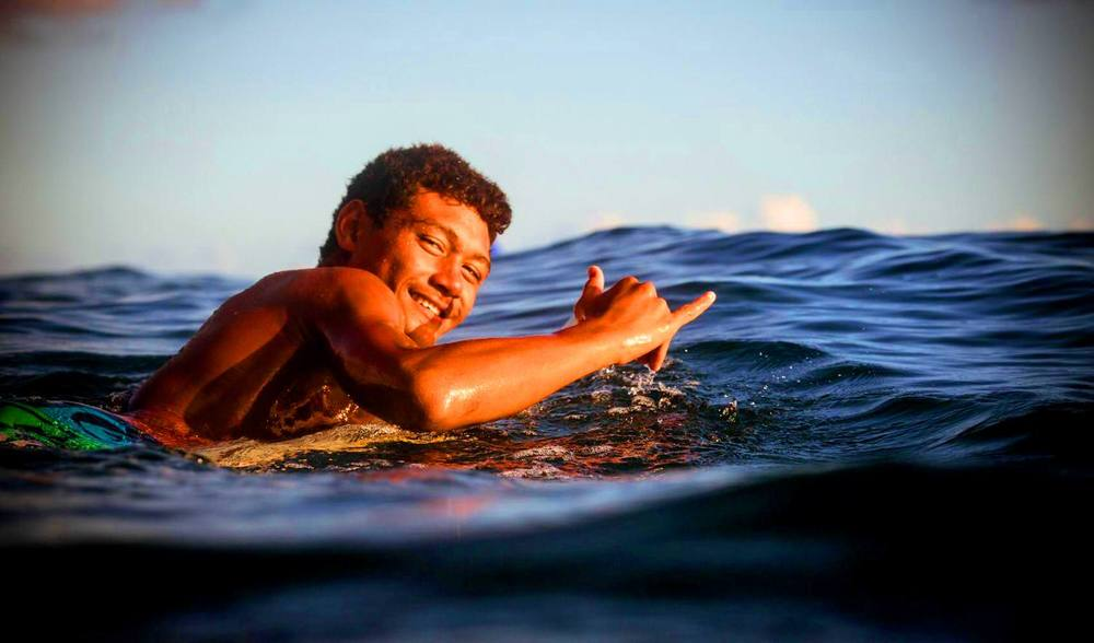 Aganoa lodge surfing guides samoa learn to surf