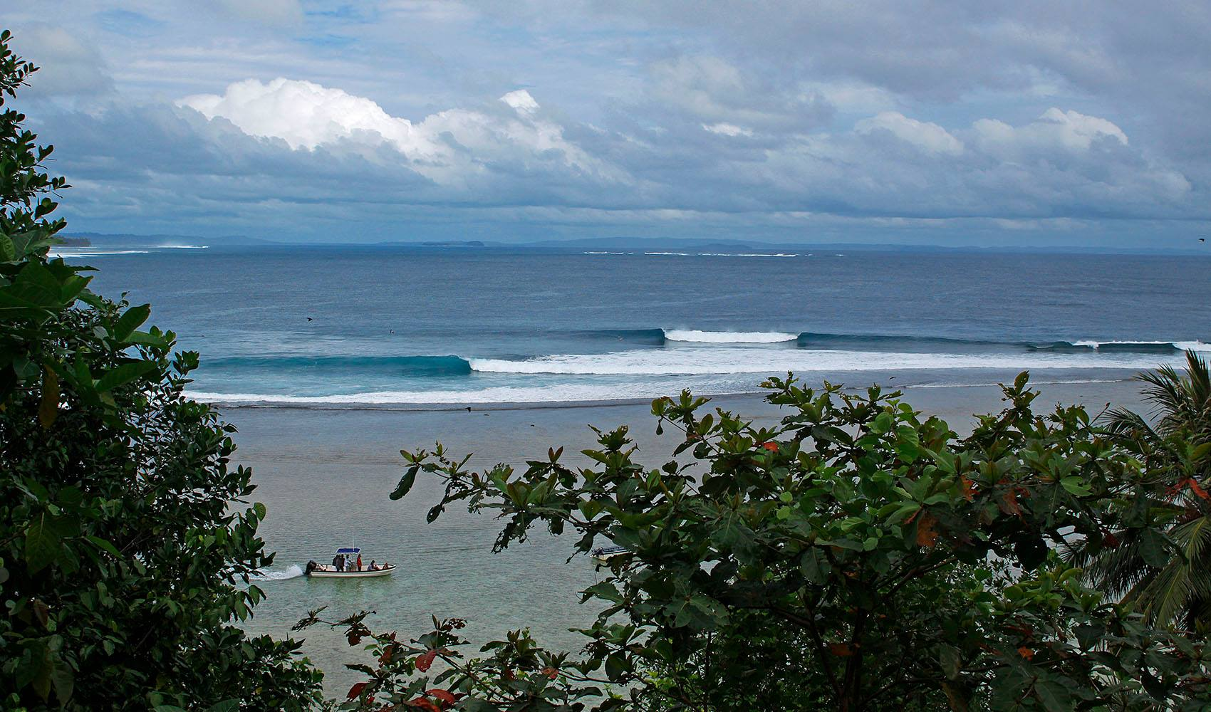 Telo_Island_Lodge_Surf_Indo_Birds_Eye_Perfection.jpg