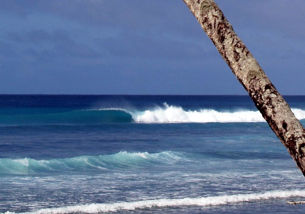 Fanning-Island-Resort  surf breaks and activities