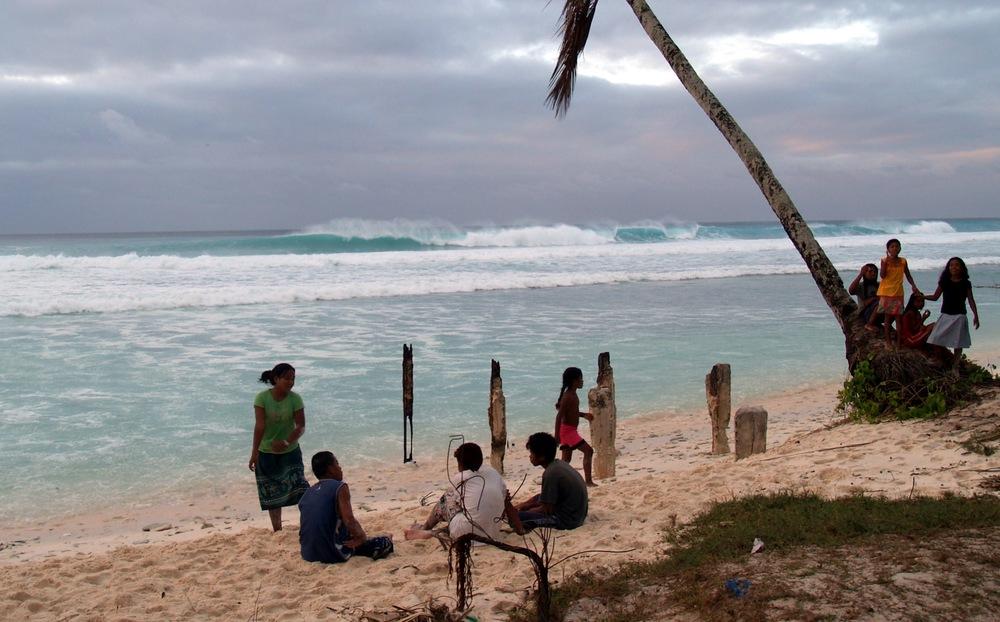 Surf-racetracks-fanning-island-resort-pacific+ocean