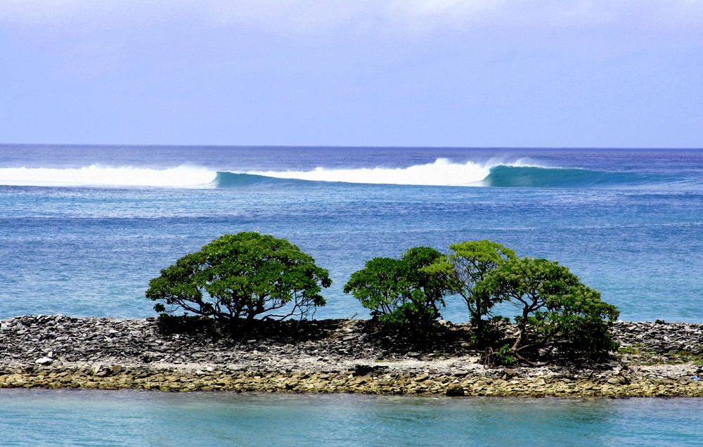 Fanning-Island-Resort-Perfect waves at fanning island