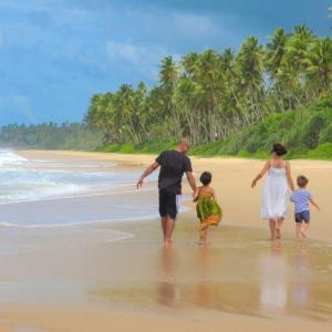Ani Villas Sri Lanka_21_Beach.jpg