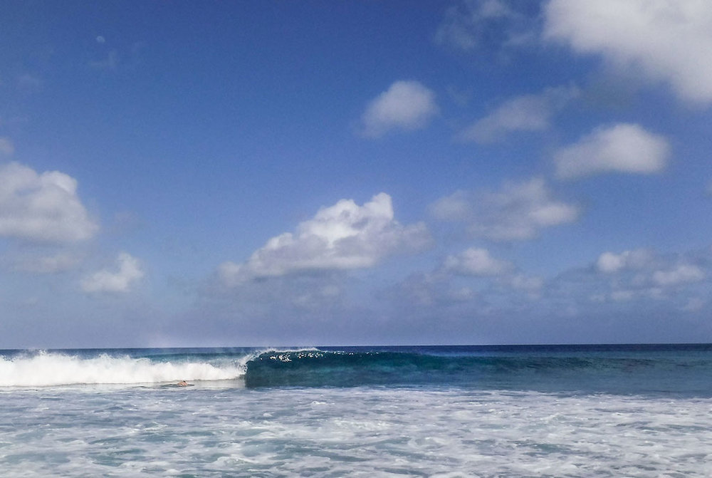 The new swell arrives at Fanning Island Left. With only five of us out, a lot of waves went unridden.