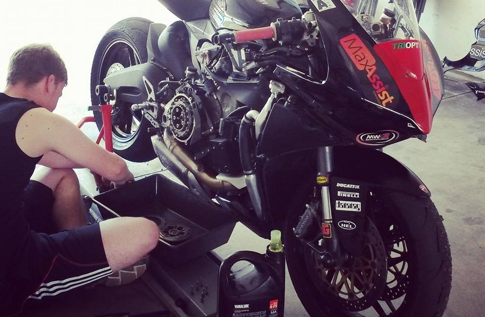 Dennis working on the 899 at Almeria