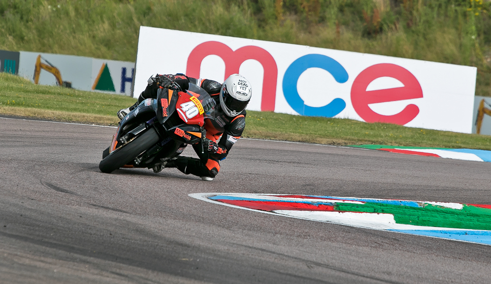 Nadieh looking comfortable on the Team ILR ZX10 at Thruxton. Photo by  www.burnoutmedia.uk