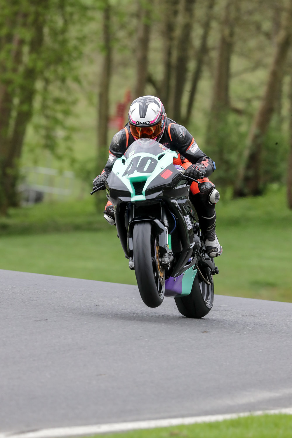 downloadz_120417_9730_cadwell_park.jpg