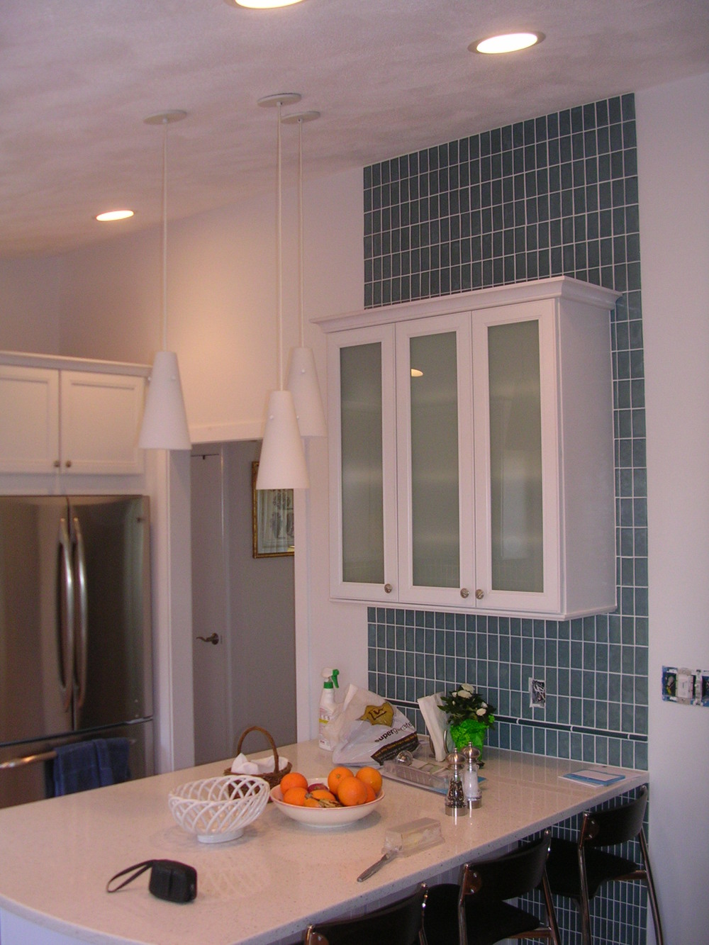 1 Eat-In Peninsula with Glass Tiles Medfield  Crossen.JPG