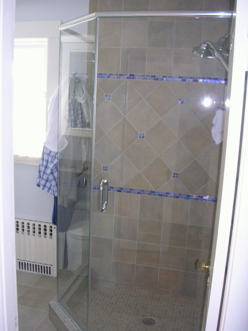 1 Corner Shower Wellesley Bonis.Hendra.JPG