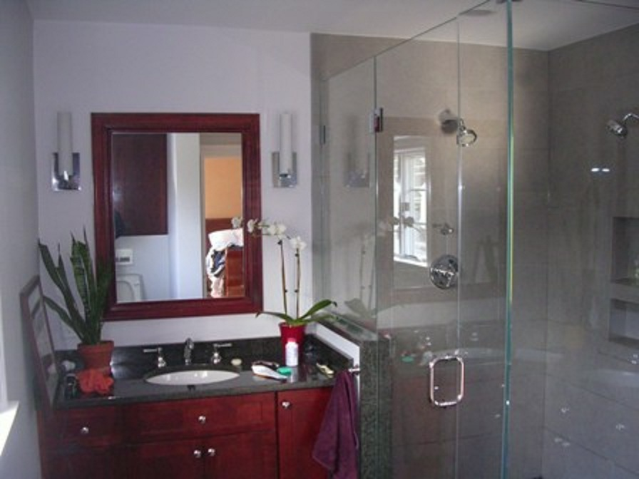 1 Newton Large Bathroom Tierney.JPG