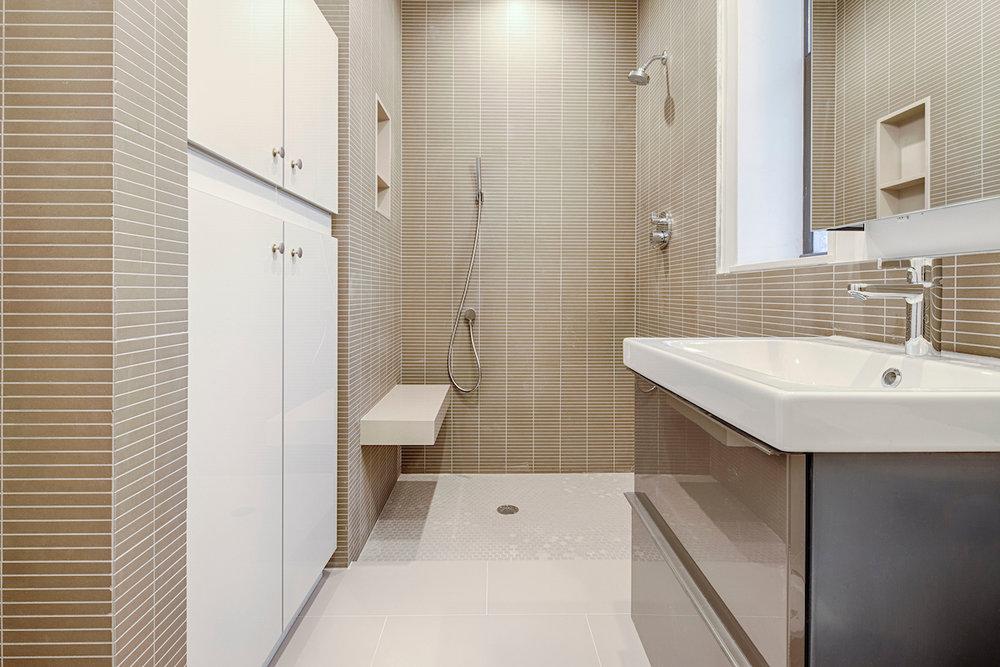 6 [Bathroom 1].jpg