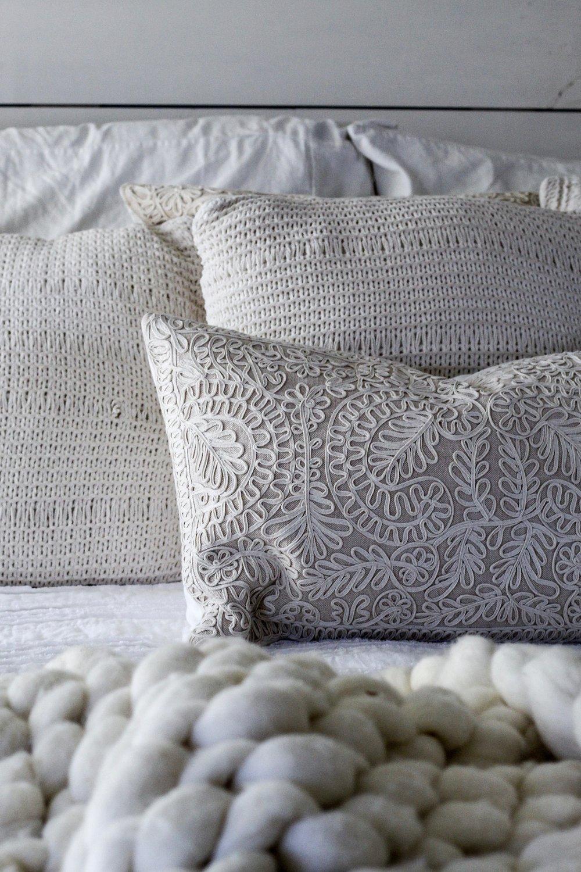 Cotton Stem Blog farmhouse bedroom chunky wool throw blanket