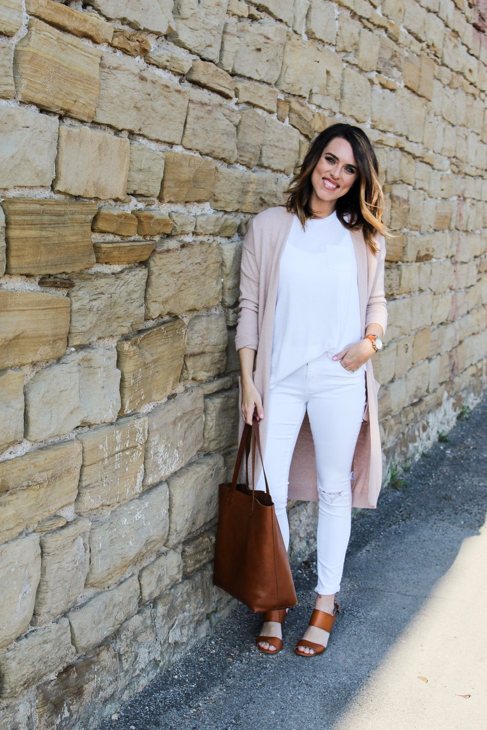 Cotton Stem Blog capsule wardrobe leather tote pink and white outfit.jpg
