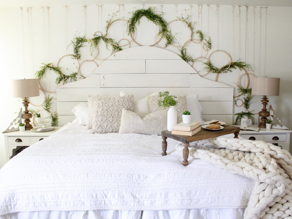 Cotton Stem Blog farmhouse bedroom shiplap spring wreath wall diy.jpg