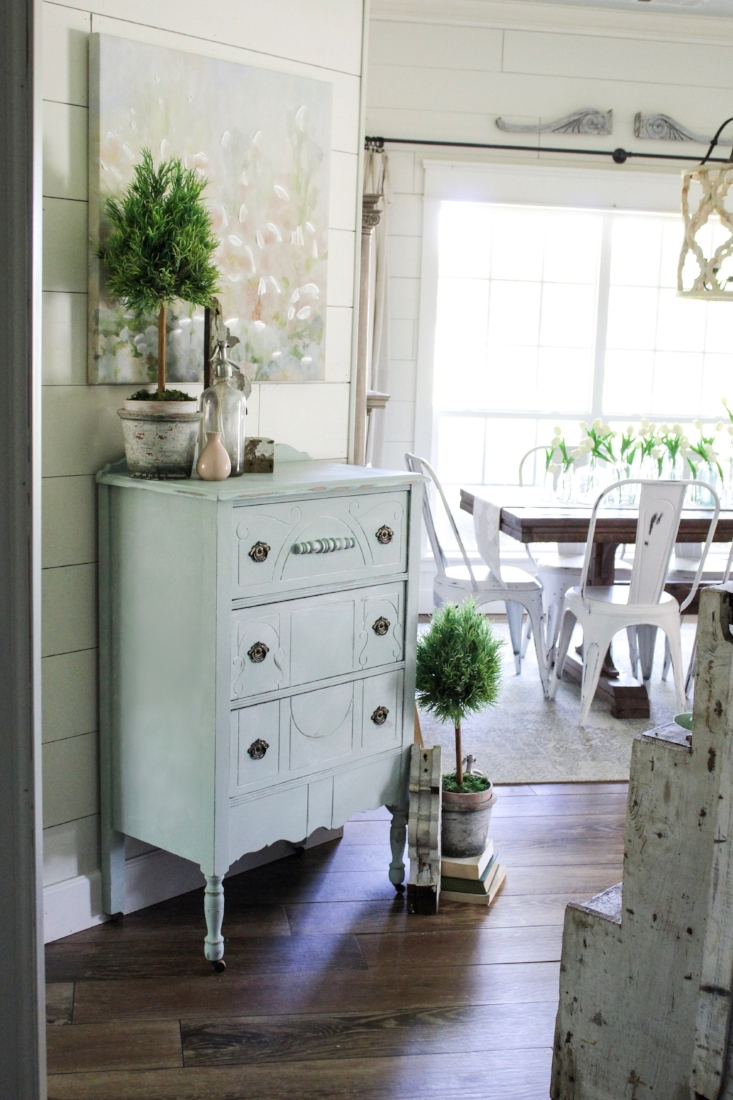 Amy Howard Chalk Paint - Vintage Dresser Update! - Cotton Stem