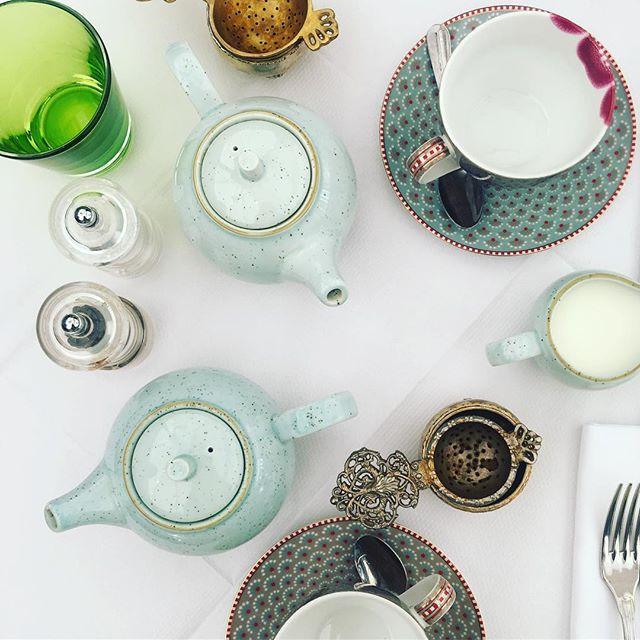 Tea party at @hushmayfair this morning. #hushmayfair #digitalnomad #femalefounder #femaleentrepreneur #tea #teaparty #breakfast #instapic #freelancelife #freelance #themoderna #themodernamedia #workstyle #messysexychic