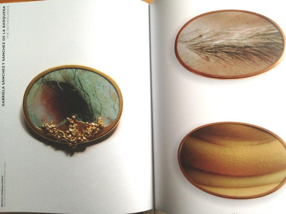 0002-jewelboekspread.jpg