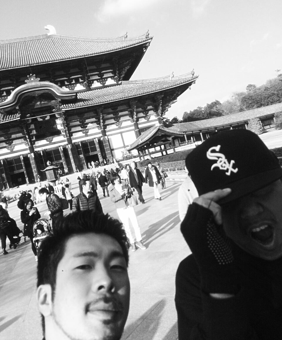 JOE IRON poses with a fan in Nara Deer Park