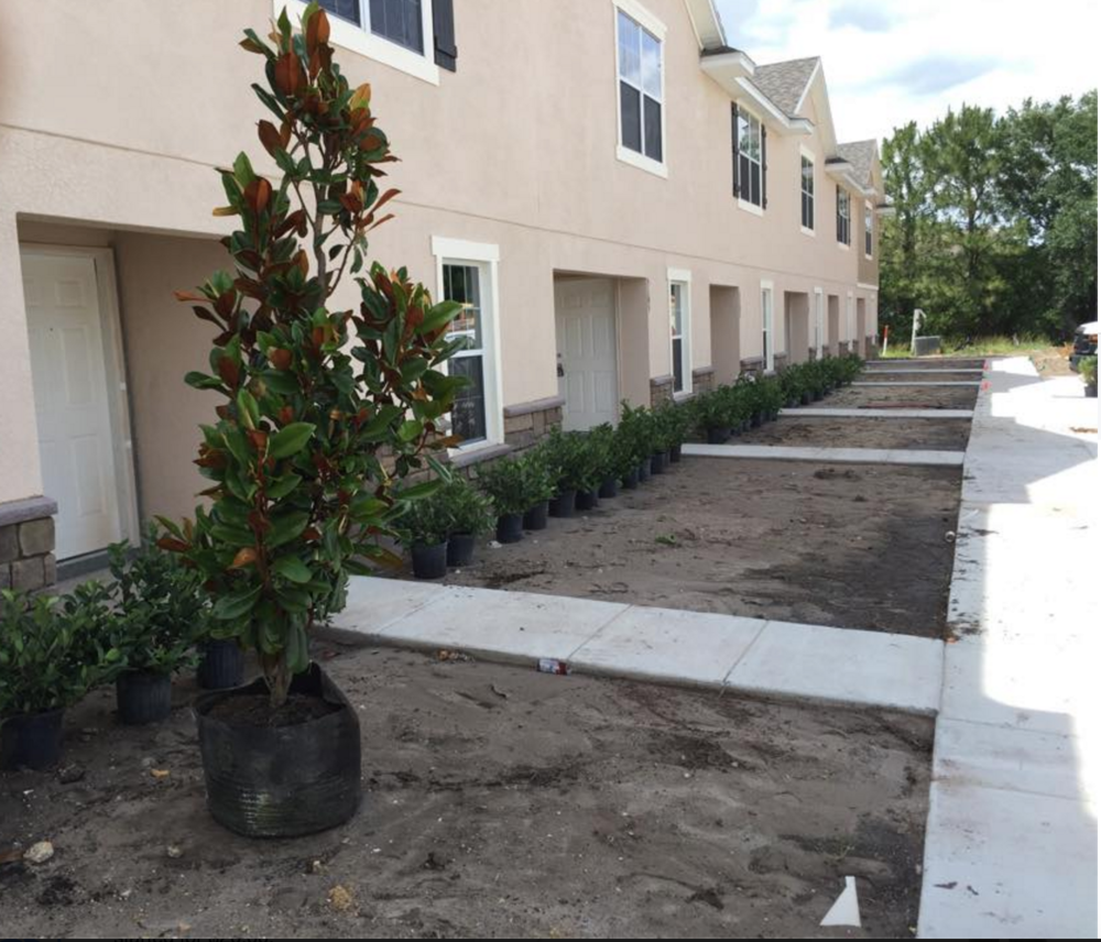 Eric's Land Management | 813-477-5552 | Commerical Monthly Lawn Maintenance