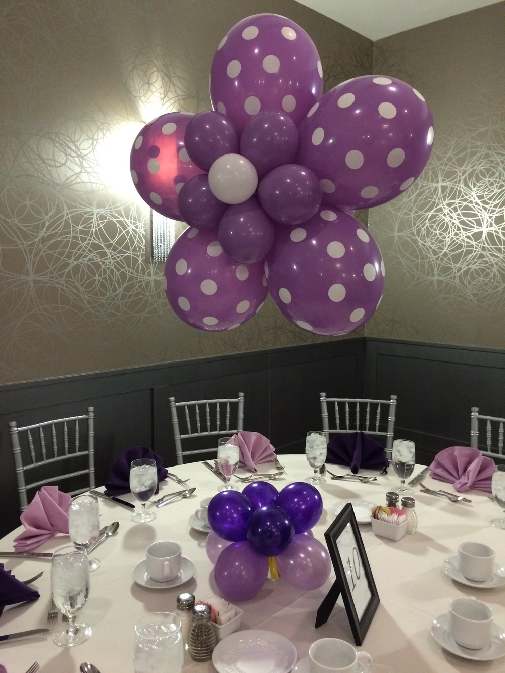 Custom Polka Dot Daisy Flower Balloon Centerpiece