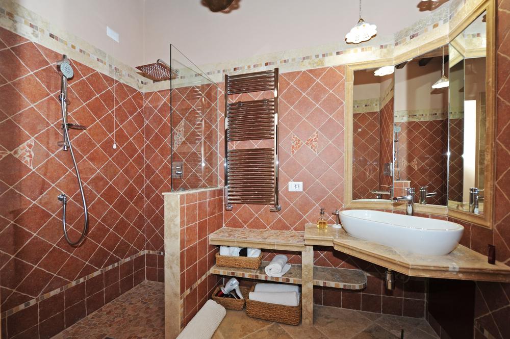 32 d Pienza Bath.jpg
