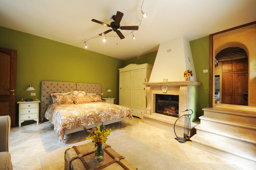 33b Montalcino Fireplace.jpg