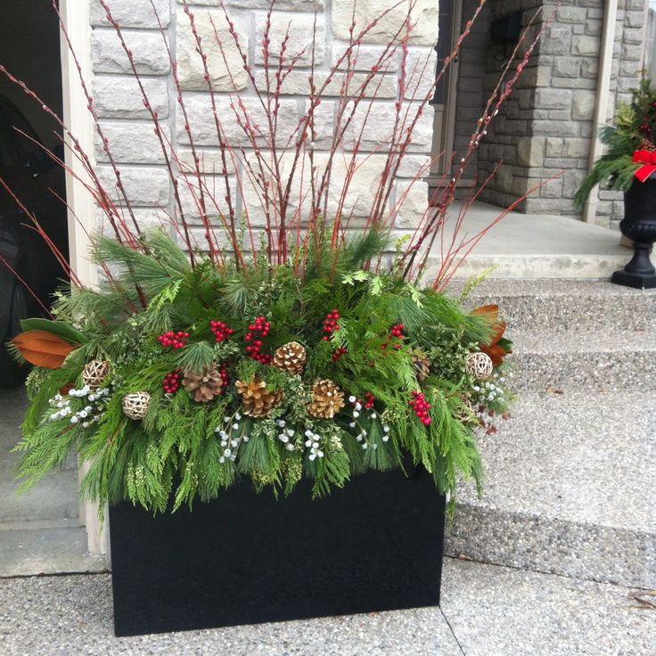 Christmas Arrangement- Classic Red and Gold.jpg
