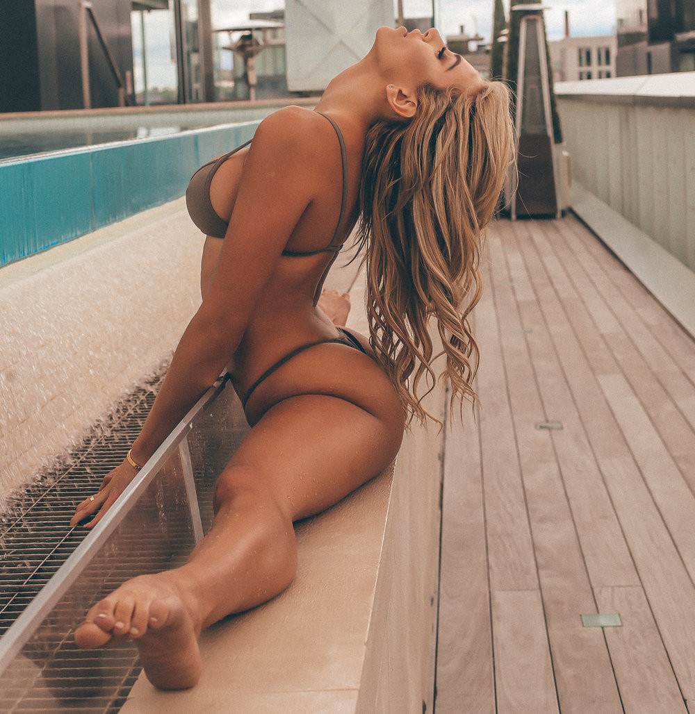 KHLOE TERAE // THOMPSON POOL