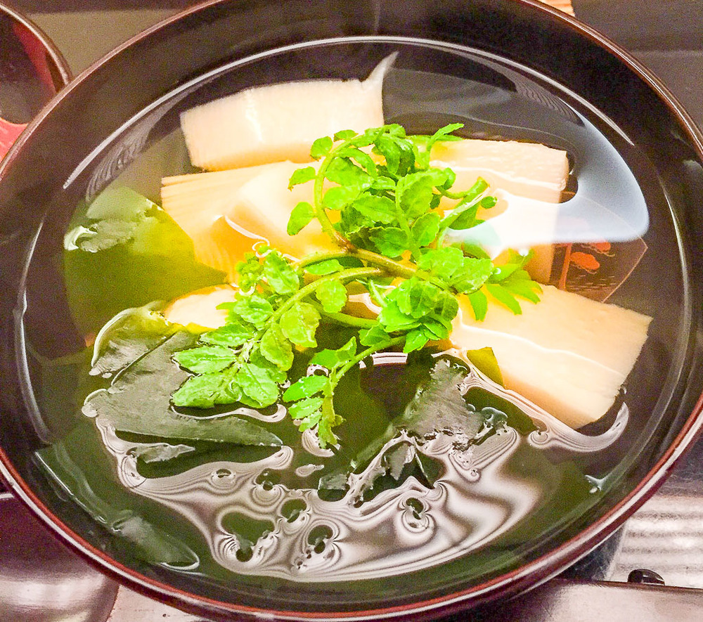 7th Course: Seaweed + Bamboo Shoot Soup, 8/10