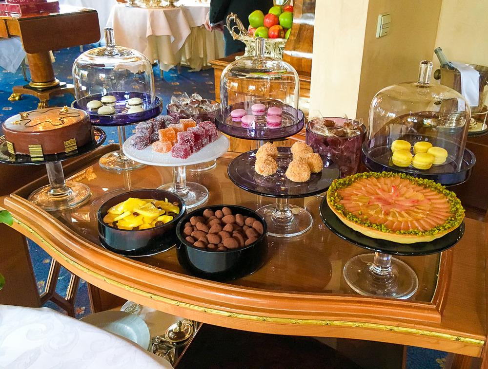 Dessert Cart 1, 9/10