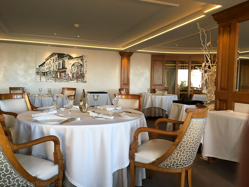 La Vague d'Or Dining Room