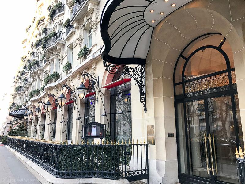 Hôtel Plaza Athénée Entrance