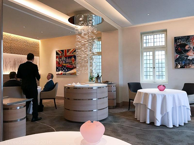 Restaurant de l'Hôtel de Ville Crissier Dining Room