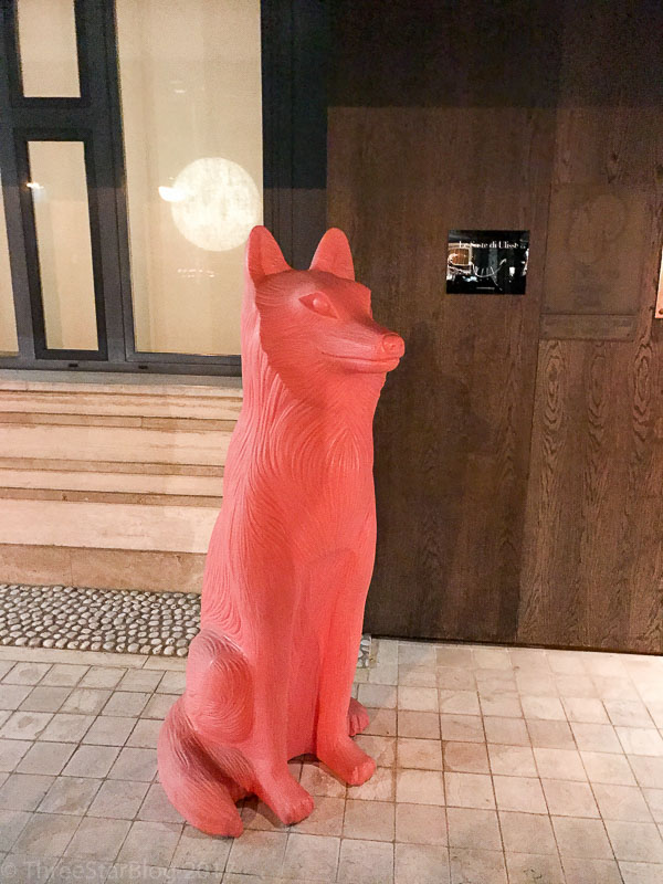 A red plastic guard fox, obviously