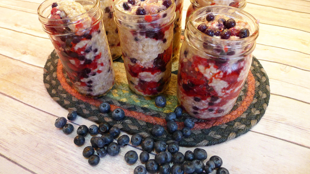 Royal Steel Cut Oats w Berries.jpg