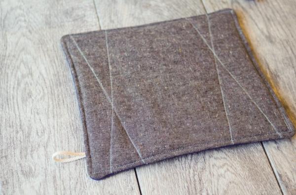 new-organic-heathered-hot-pad-trivet