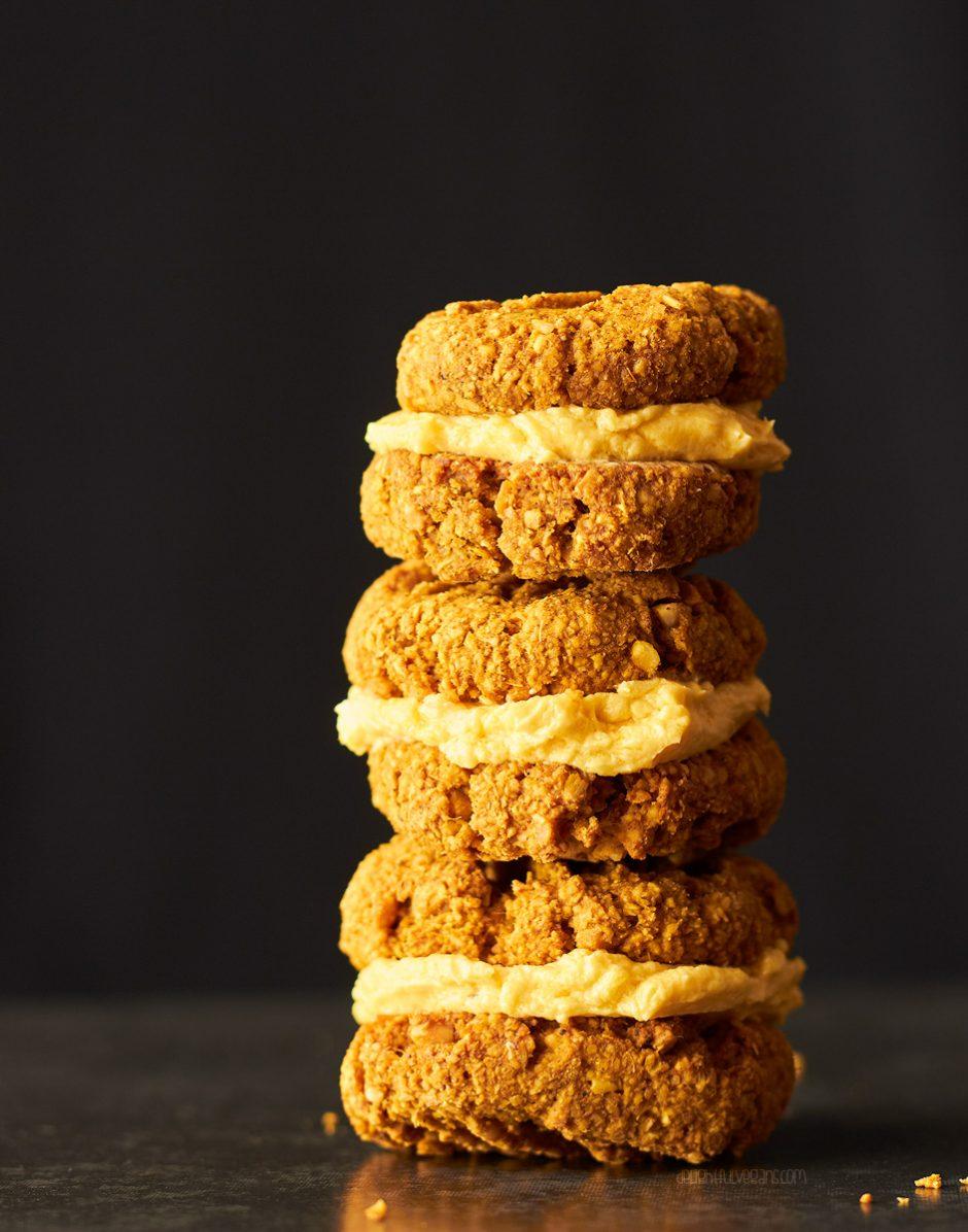 Vegan & Gluten-Free Peanut Pumpkin Spice Yo-Yo Cookies by Katie of Delightful Vegans