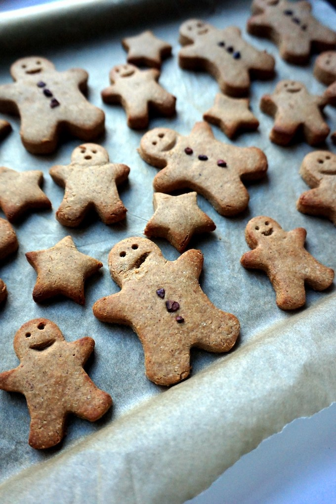 Vegan & Gluten-Free Healthy Gingerbread Men Cookies by Sarah of Vegan Chickpea