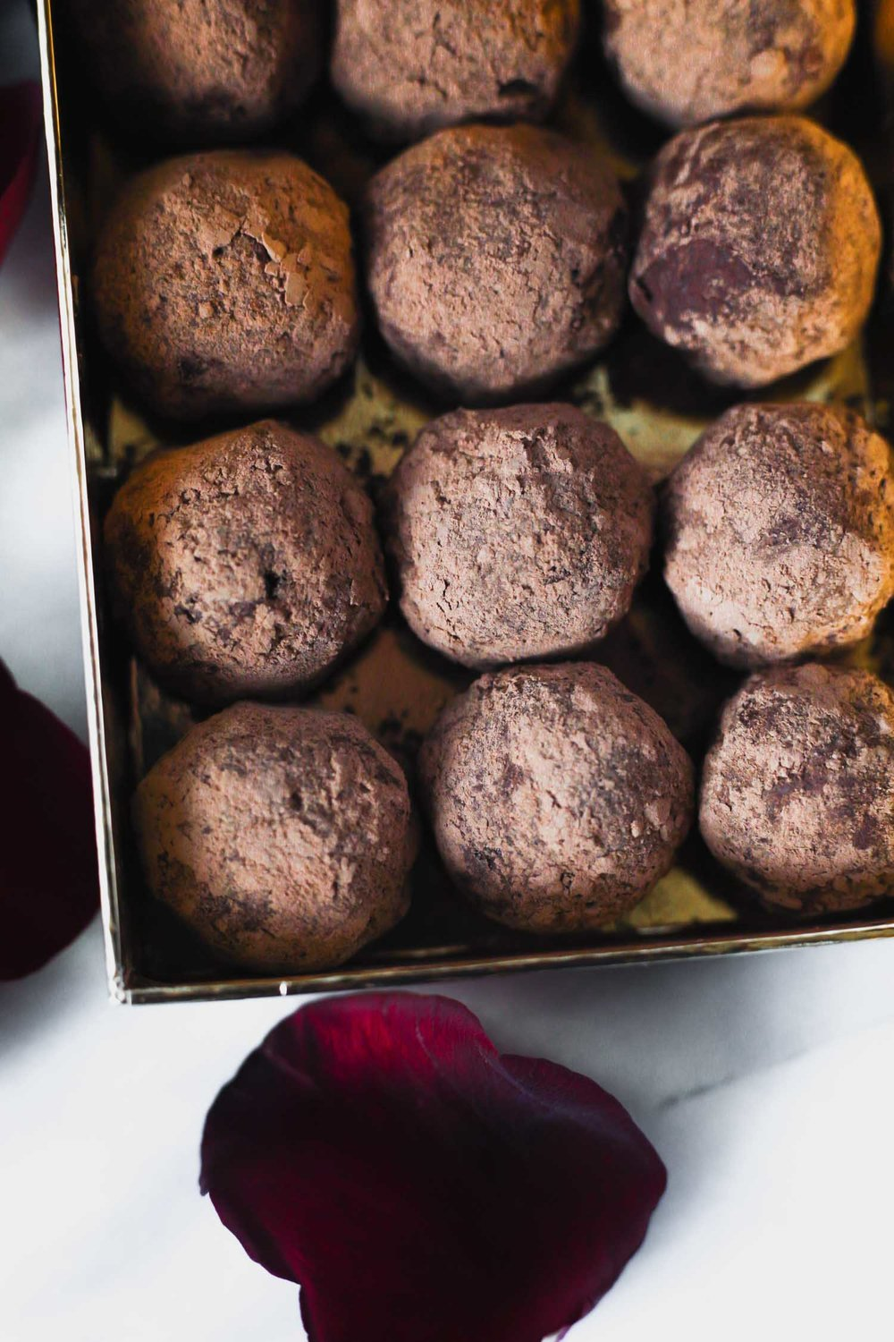 Vegan Chocolate Truffles by beautiful Ingredient.