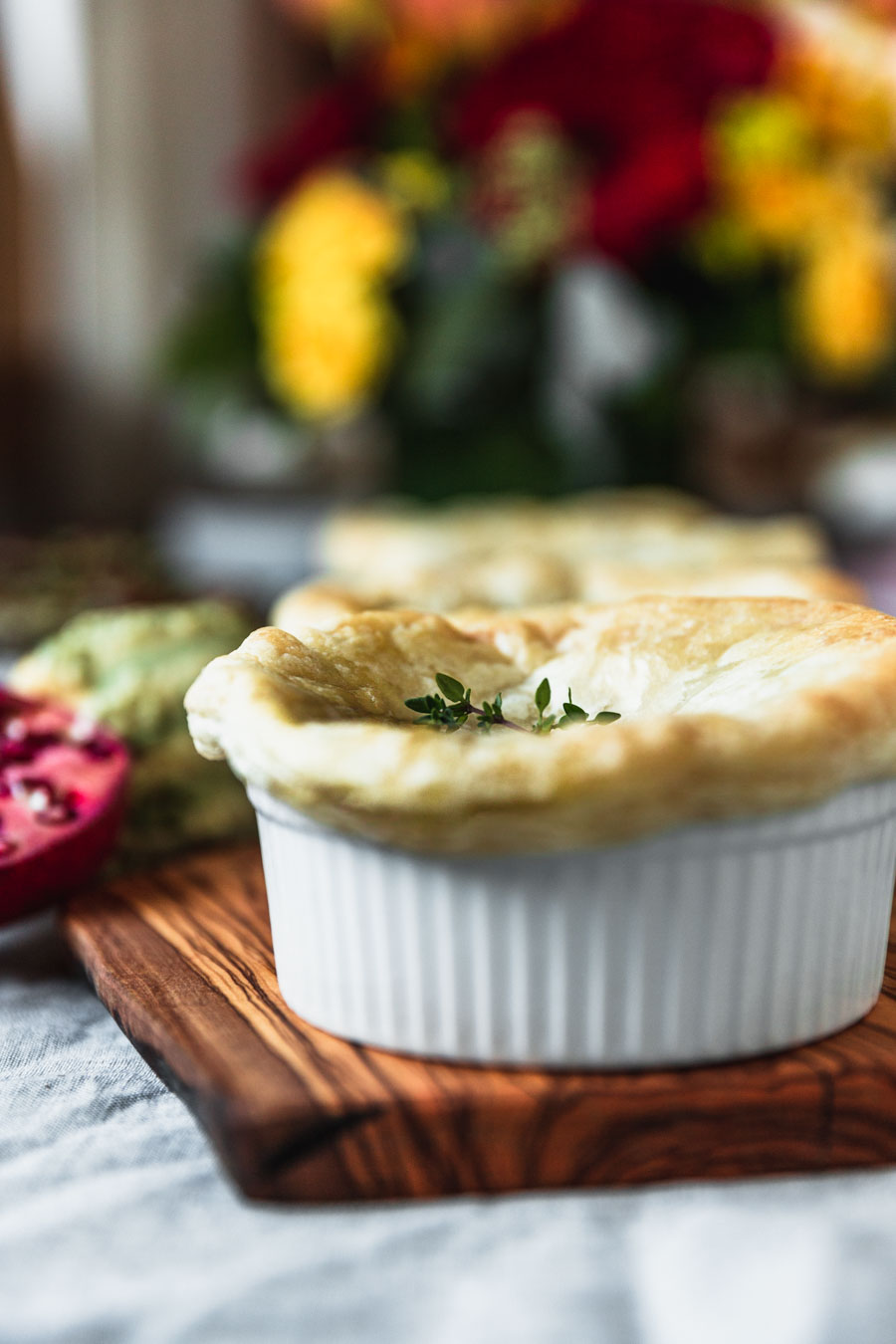 Tastes Like Chicken Pie recipe from the cookbook, Great Vegan Meals for the Carnivorous Family by Amanda Logan. Photo by Kari of Beautiful Ingredient. #vegan #vegandinner #plantbased #familydinner #dinner #chickenpotpie #potpie #veganchicken #veganforcarnivore #cookbook #recipe