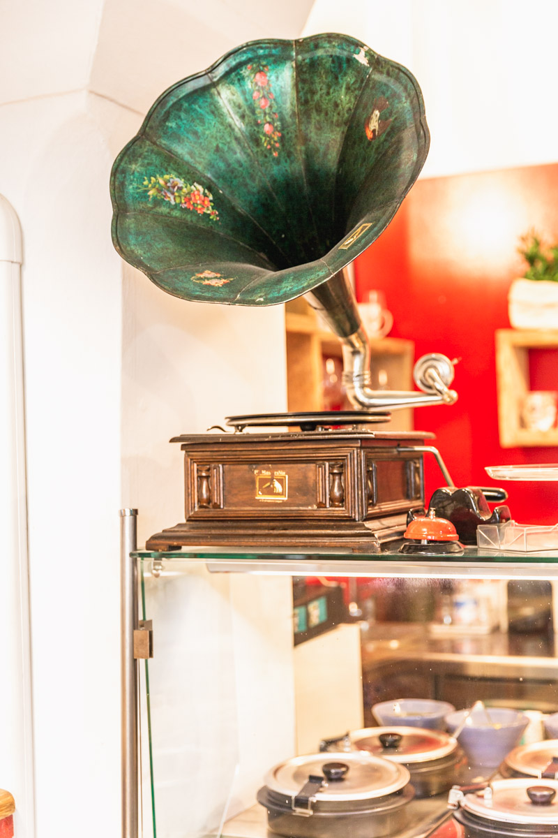A phonograph at Soup in Town, a great spot to eat vegan in Lucca, Italy. Photo by Kari | Beautiful Ingredient.