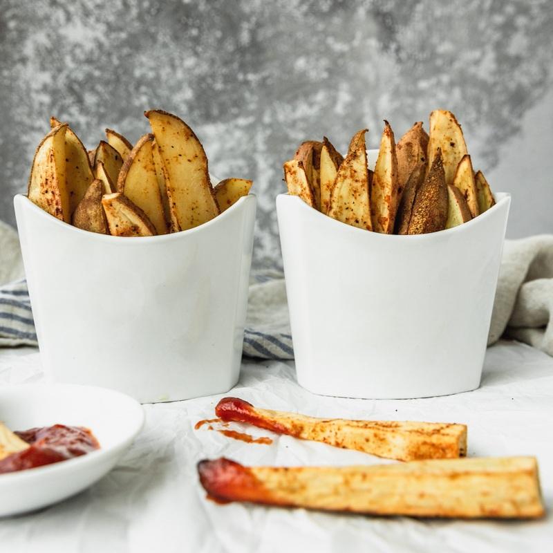 Seasoned Thick-Cut Oven-Baked Fries with No Oil by Beautiful Ingredient. #fries #nooil #oilfree #bakedfries #ovenbaked #thickcutfries #frenchfries #crispyfries #seasonedfries #recipe #vegan #plantbased #wfpb #glutenfree #snack #veggie #sidedish #comfortfood #potato #easy