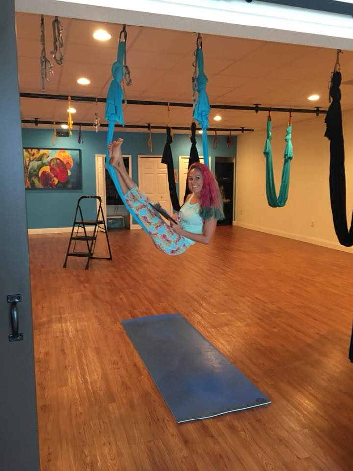 LISA MYERS    HANGING OUT IN AERIAL STUDIO BEFORE CLASS