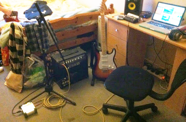 electric guitar recording set-up2 edit.png