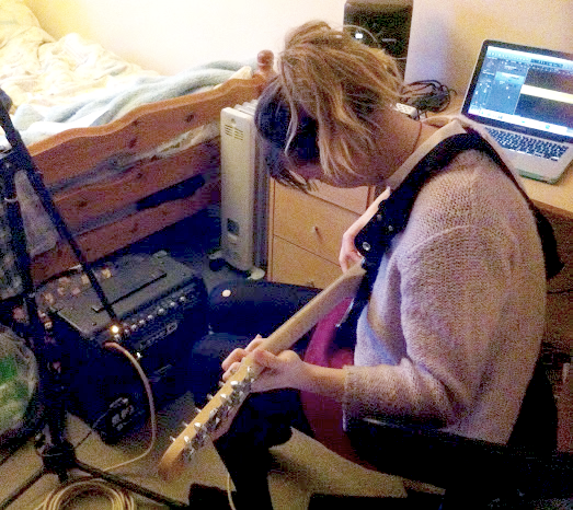 electric guitar recording set-up3 edit.png